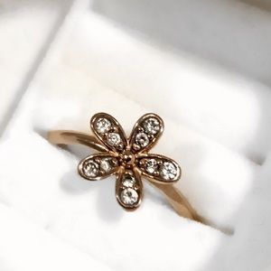 Gold Pandora Flower Ring 🌸